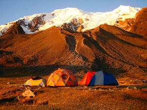 Bolivia, Illimani - Illimani base camp.