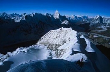 3 Peaks Nepal - On the spectacular summit ridge of Island Peak.